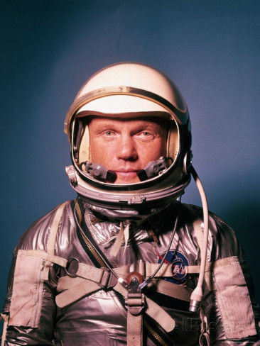 ralph-morse-astronaut-john-glenn-in-a-mercury-program-pressure-suit-and-helmet.jpg